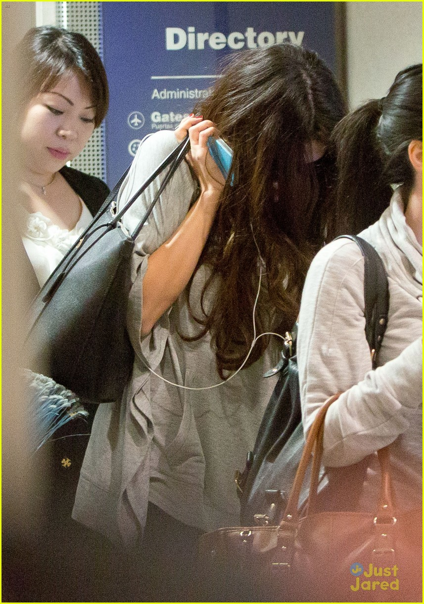 selena gomez flight post justin bieber split 03