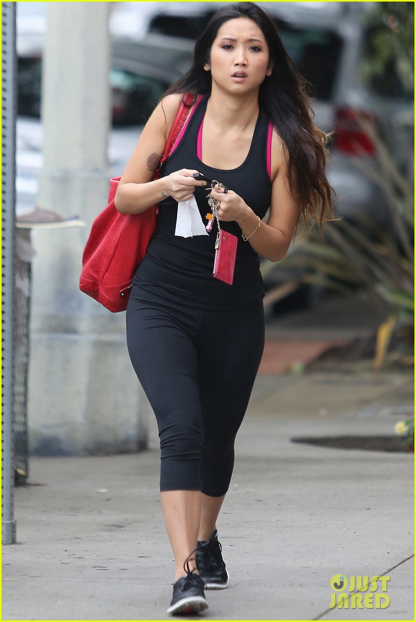 brenda song hits the gym 05
