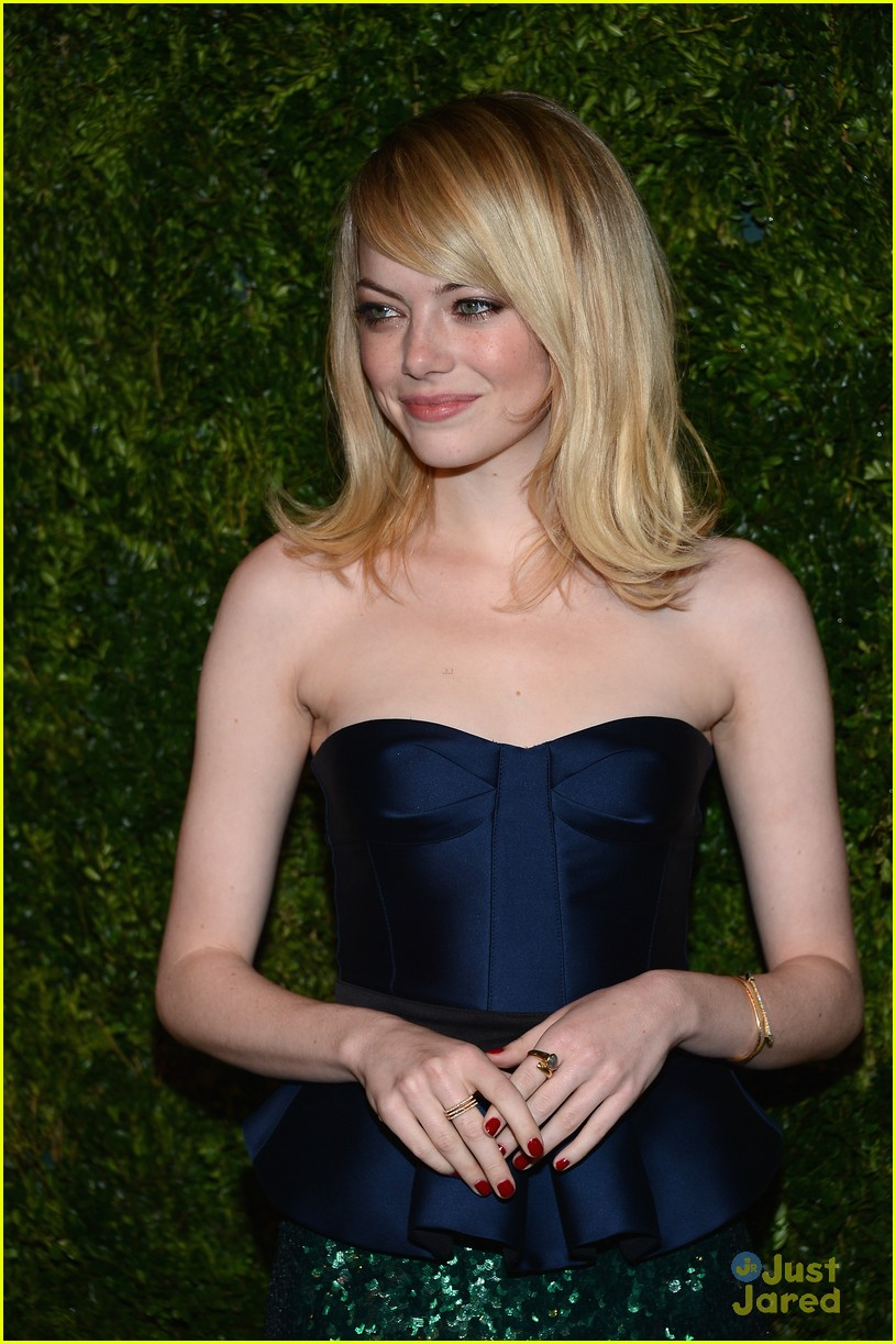 emma stone cfda fashion fund awards 09