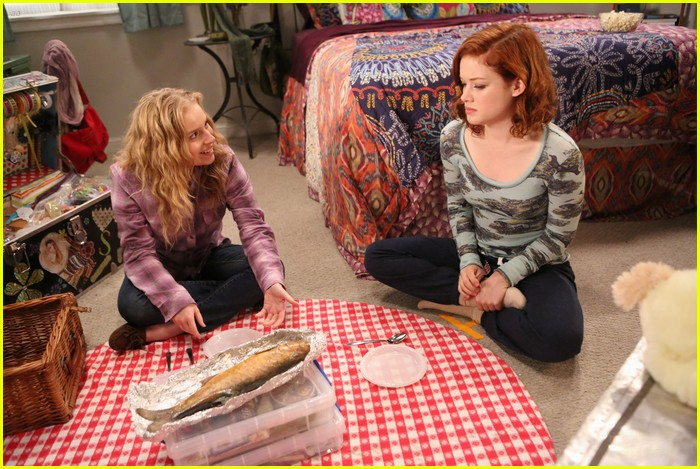jane levy allie grant friendship fish 07