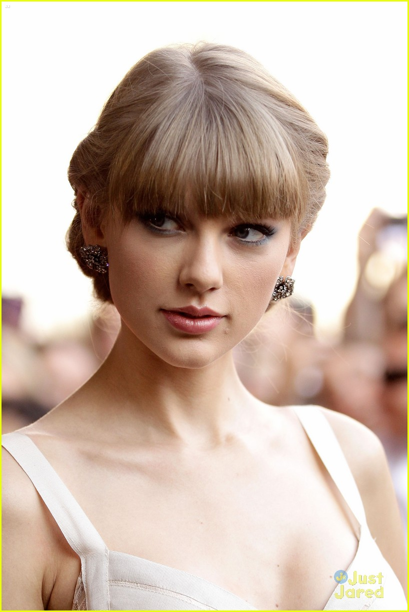 taylor swift 2012 aria awards 01