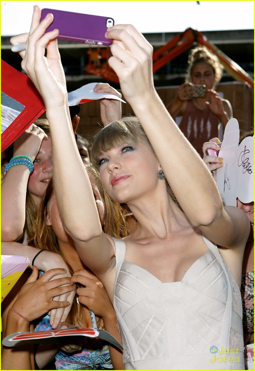 taylor swift 2012 aria awards 12