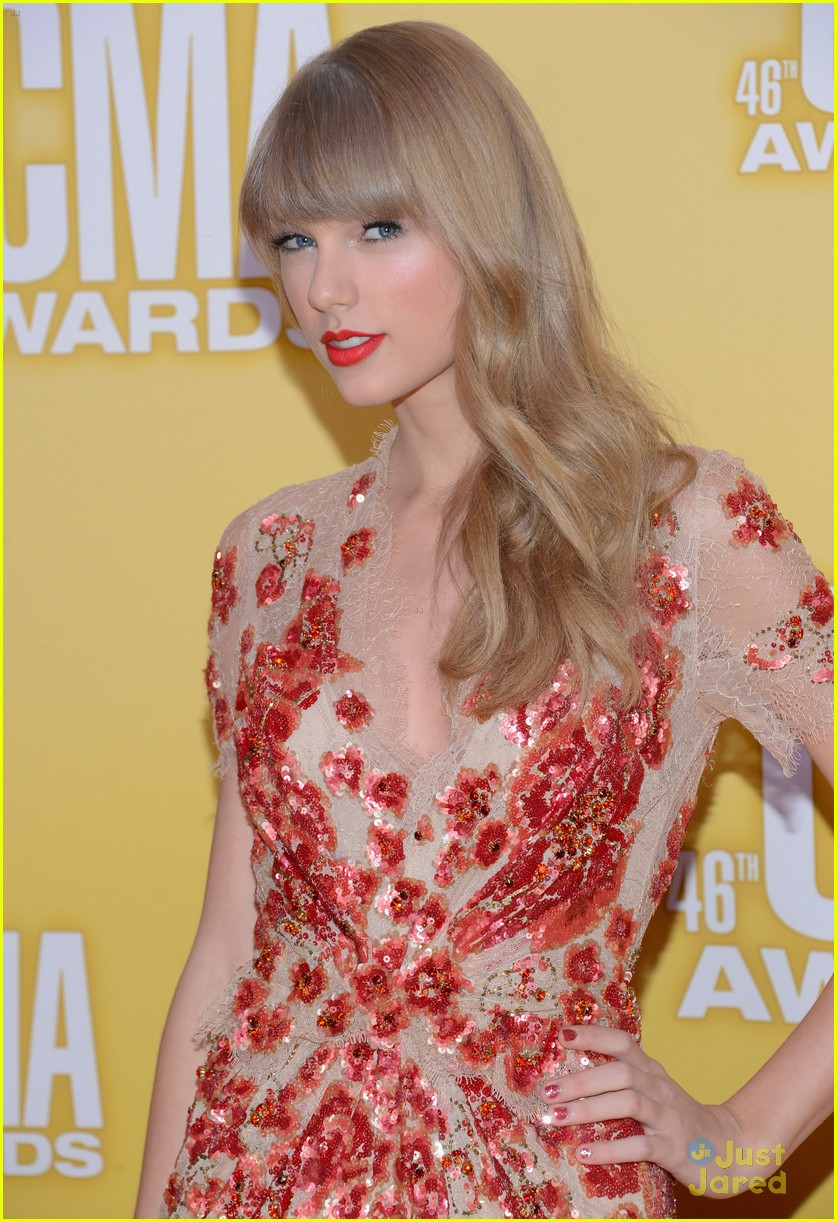 taylor swift cma awards 12