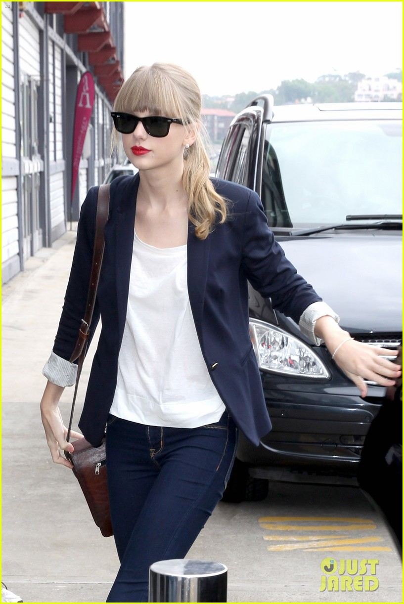 taylor swift today performance 04