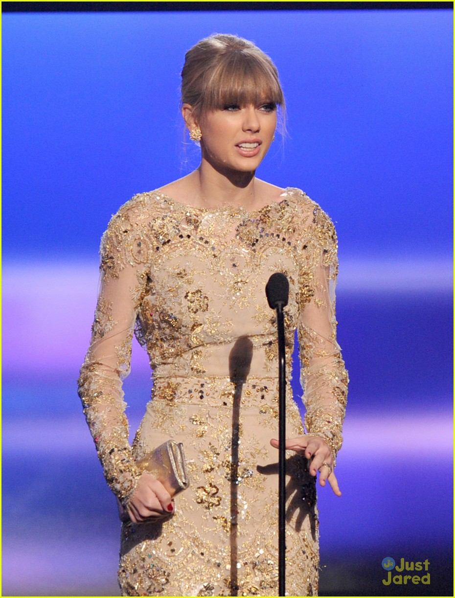 taylor swift trouble amas 07