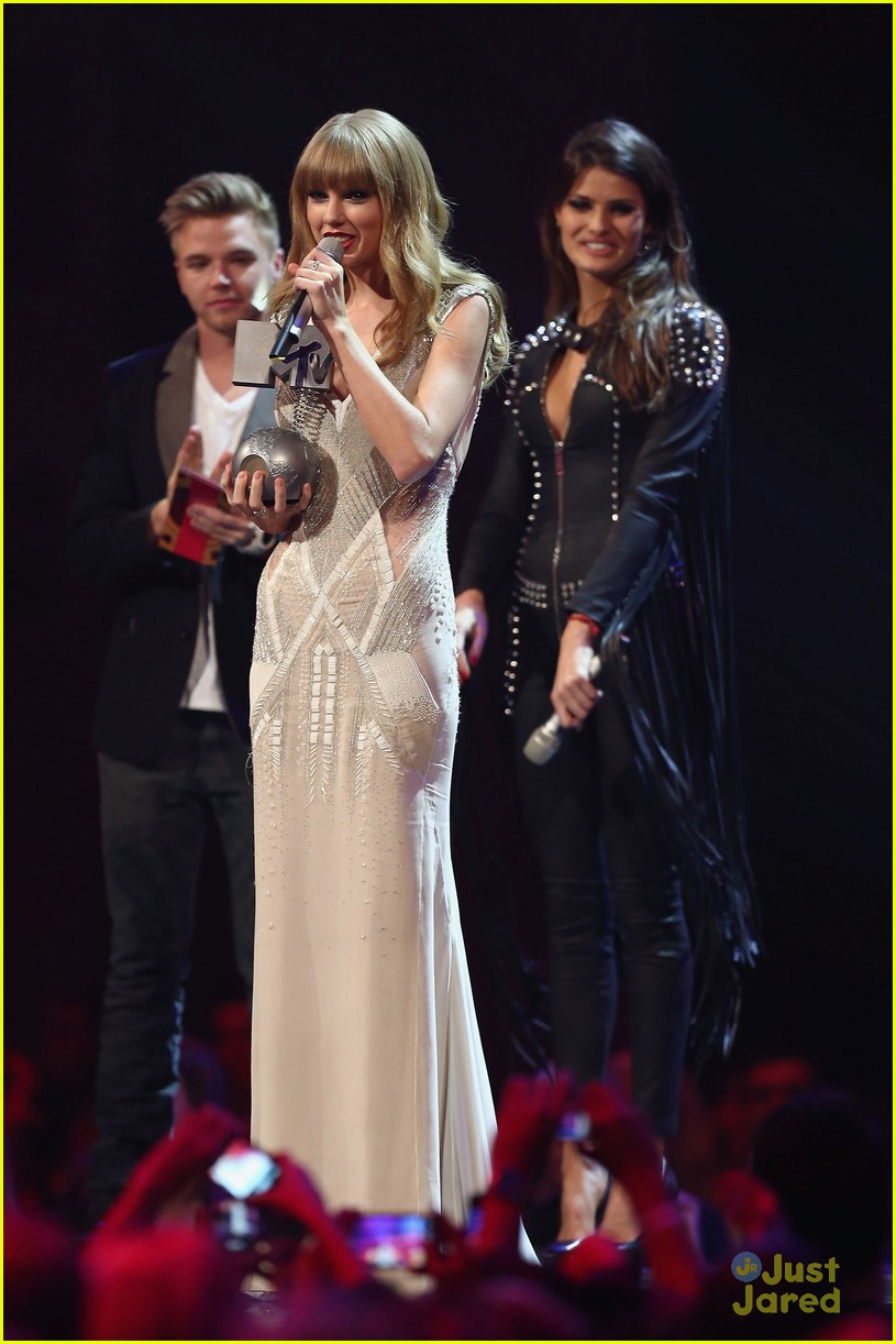 taylor swift 2012 mtv emas 04