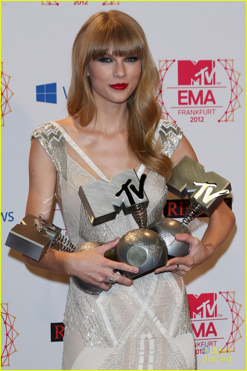 taylor swift 2012 mtv emas 27