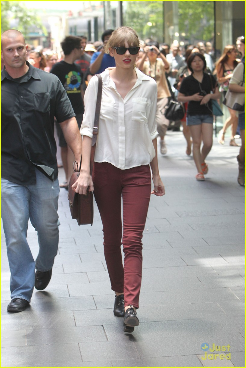 taylor swift sydney shopping spree 17