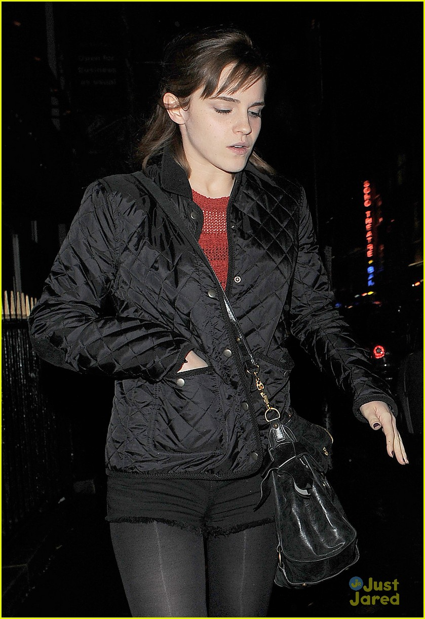 emma watson soho stop 04