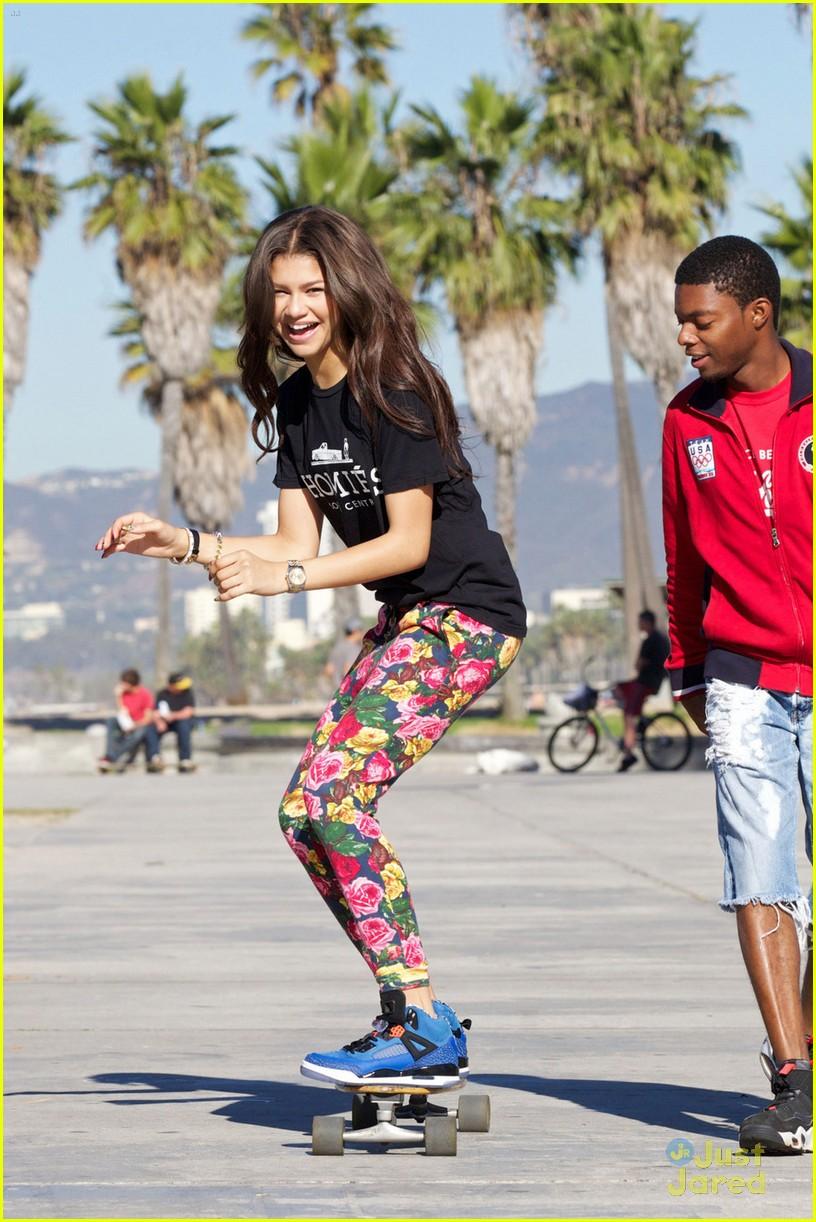 zendaya coleman skateboarding - photo #3