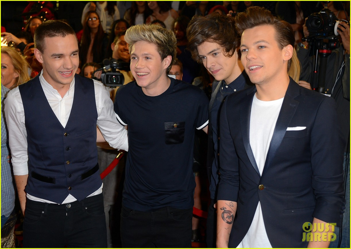 x factor kiss you performance 09