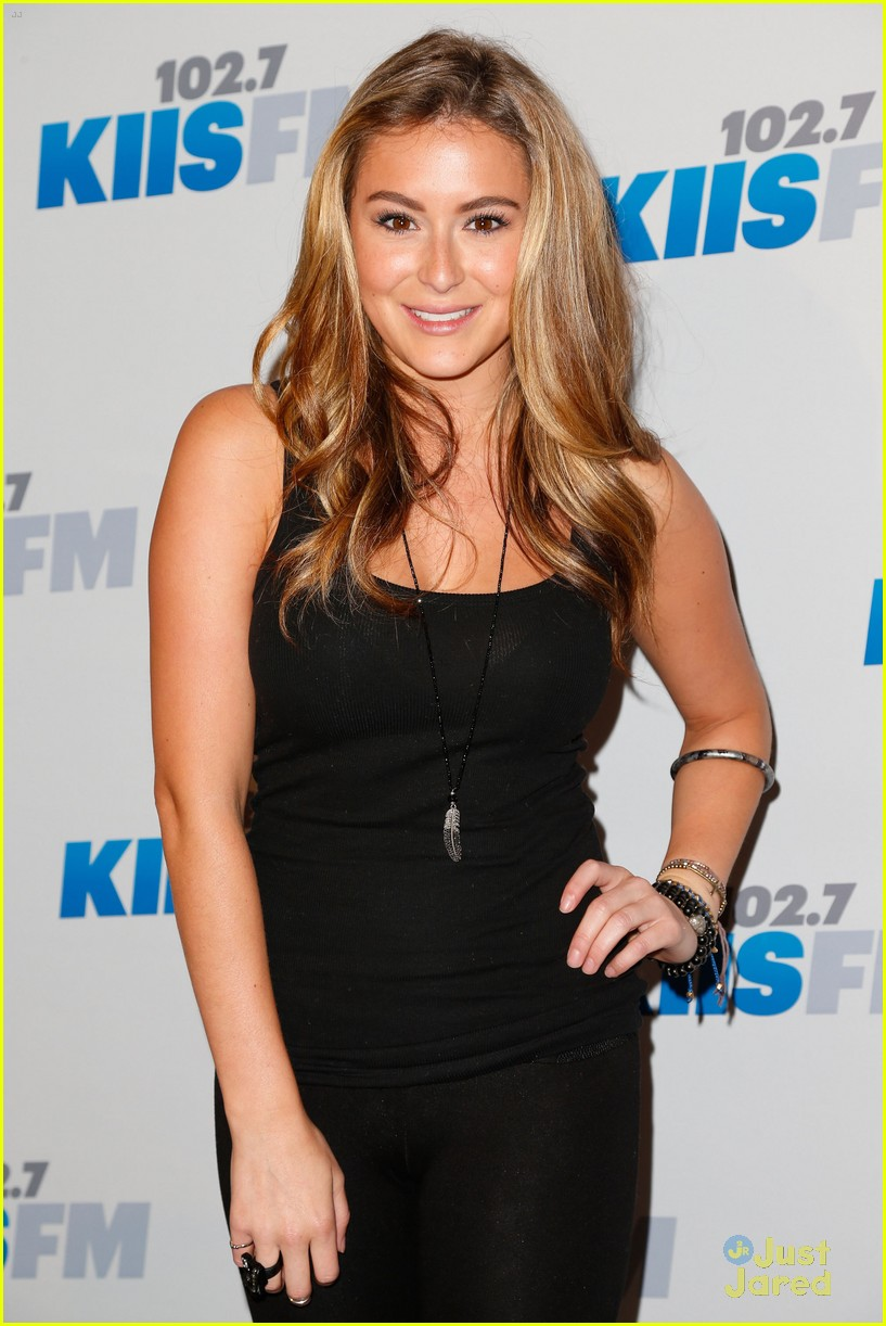 alexa vega jingle ball 06