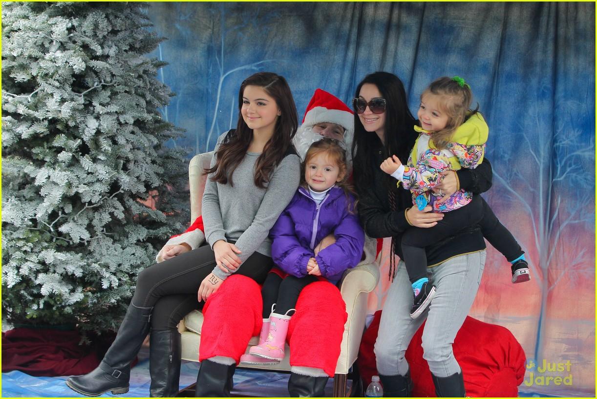 ariel winter santa visit 17