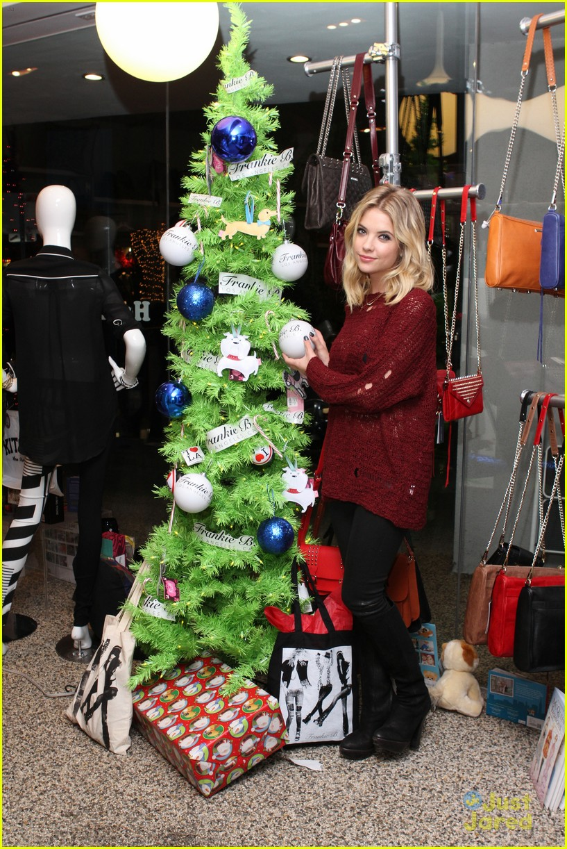 ashley benson bongo kitson 05