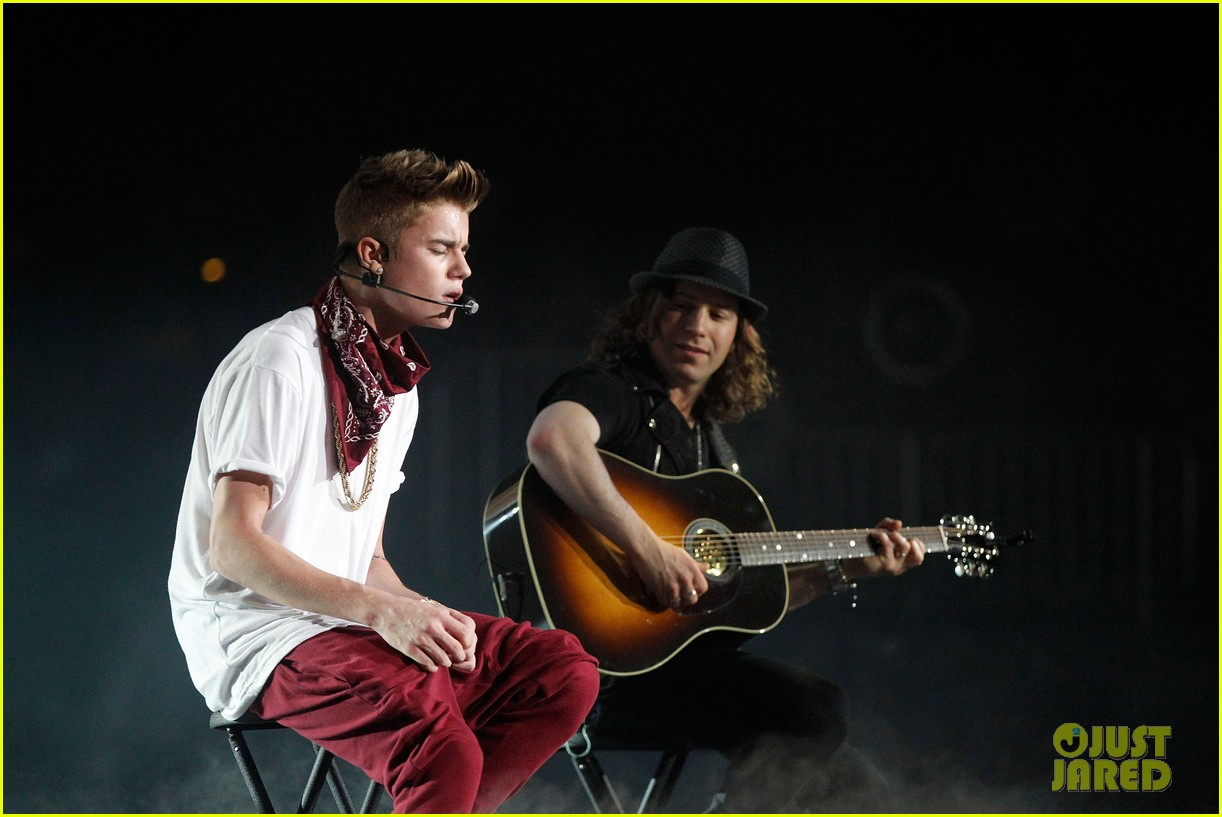 justin bieber 961 jingle ball 35