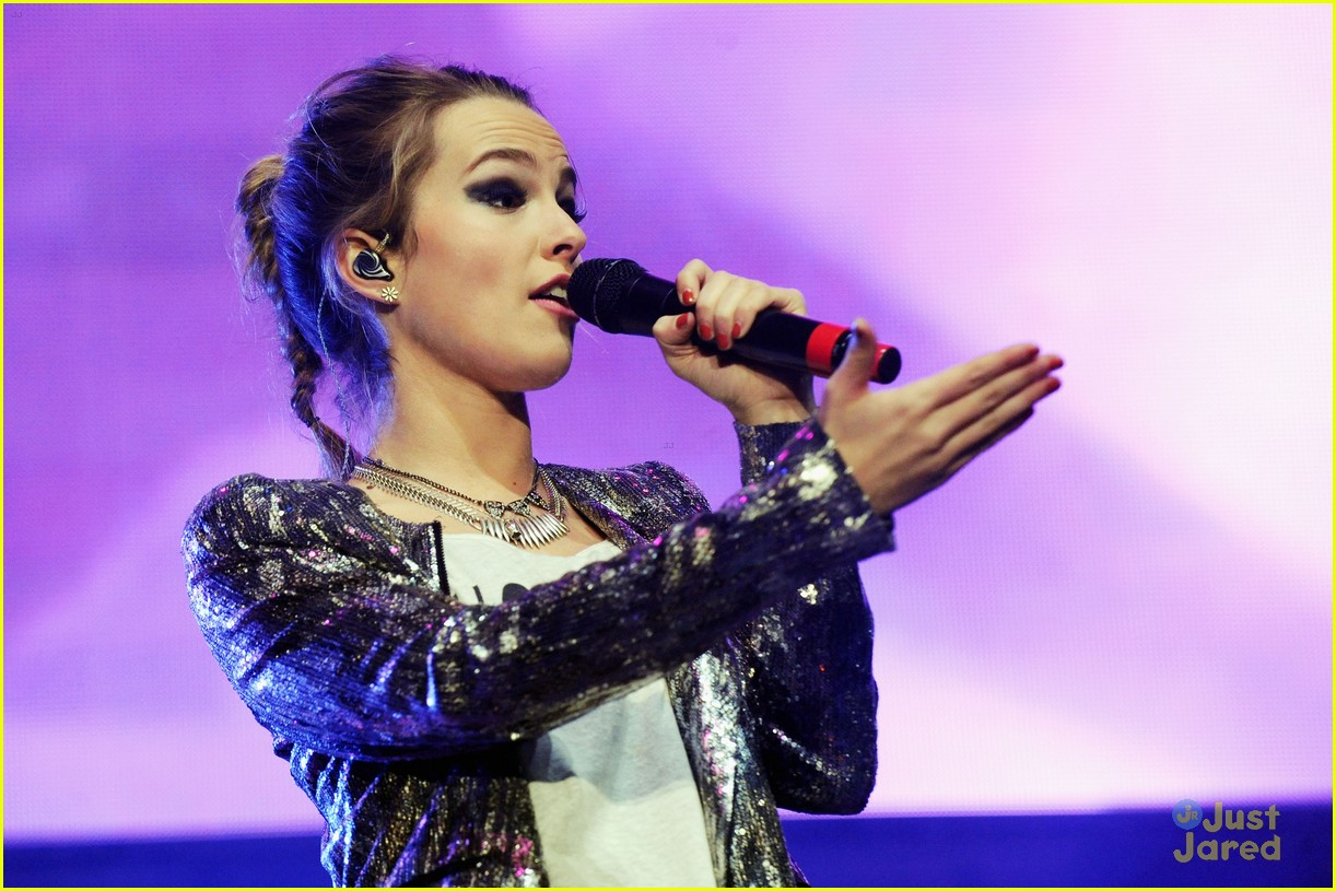 bridgit mendler power 961 jingle ball 09