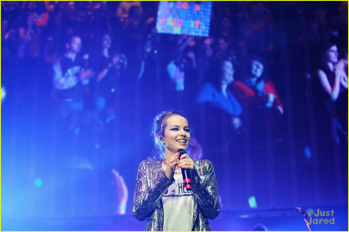 bridgit mendler power 961 jingle ball 13