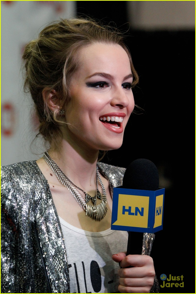 bridgit mendler power 961 jingle ball 40