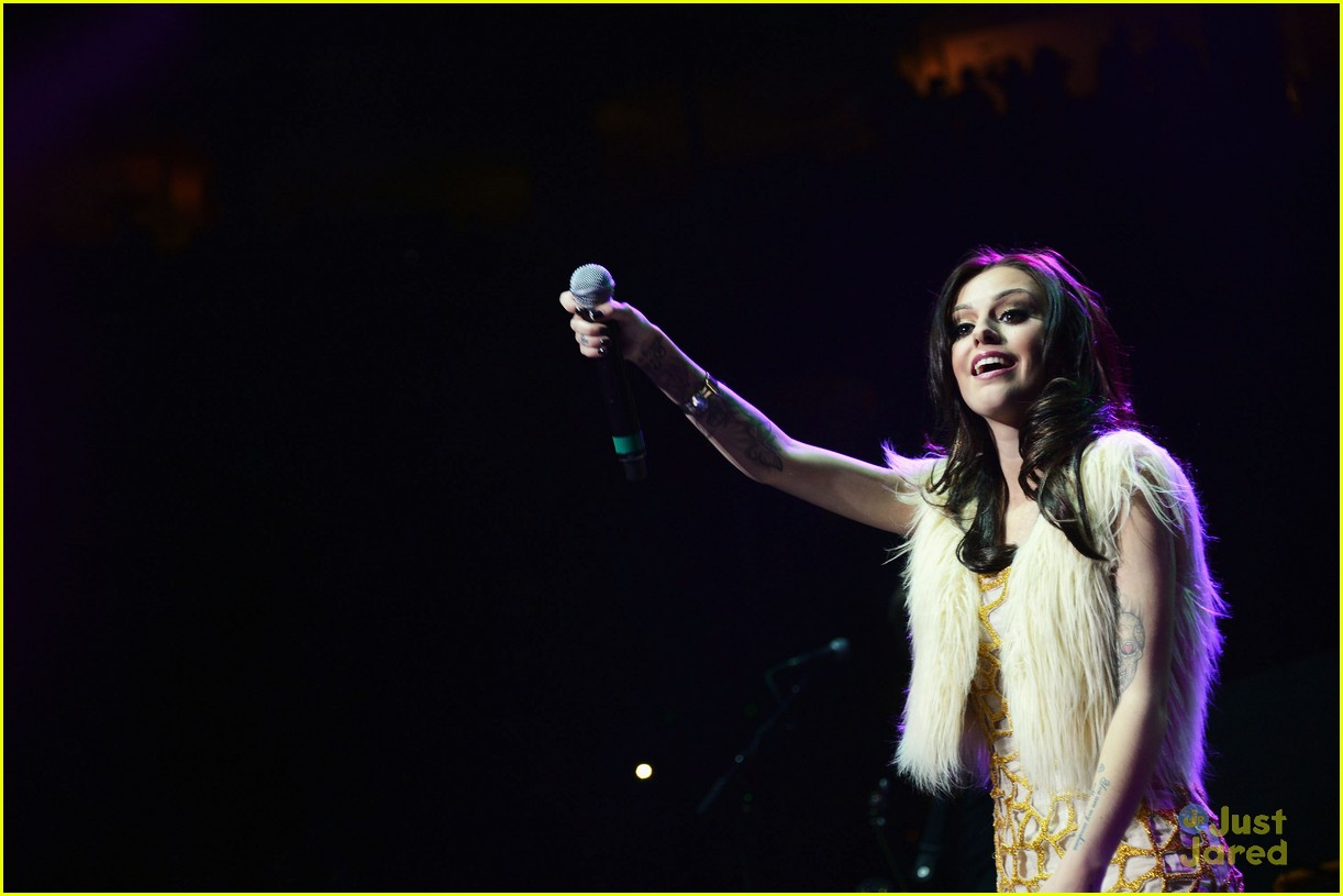 cher lloyd q102 jingle ball 11