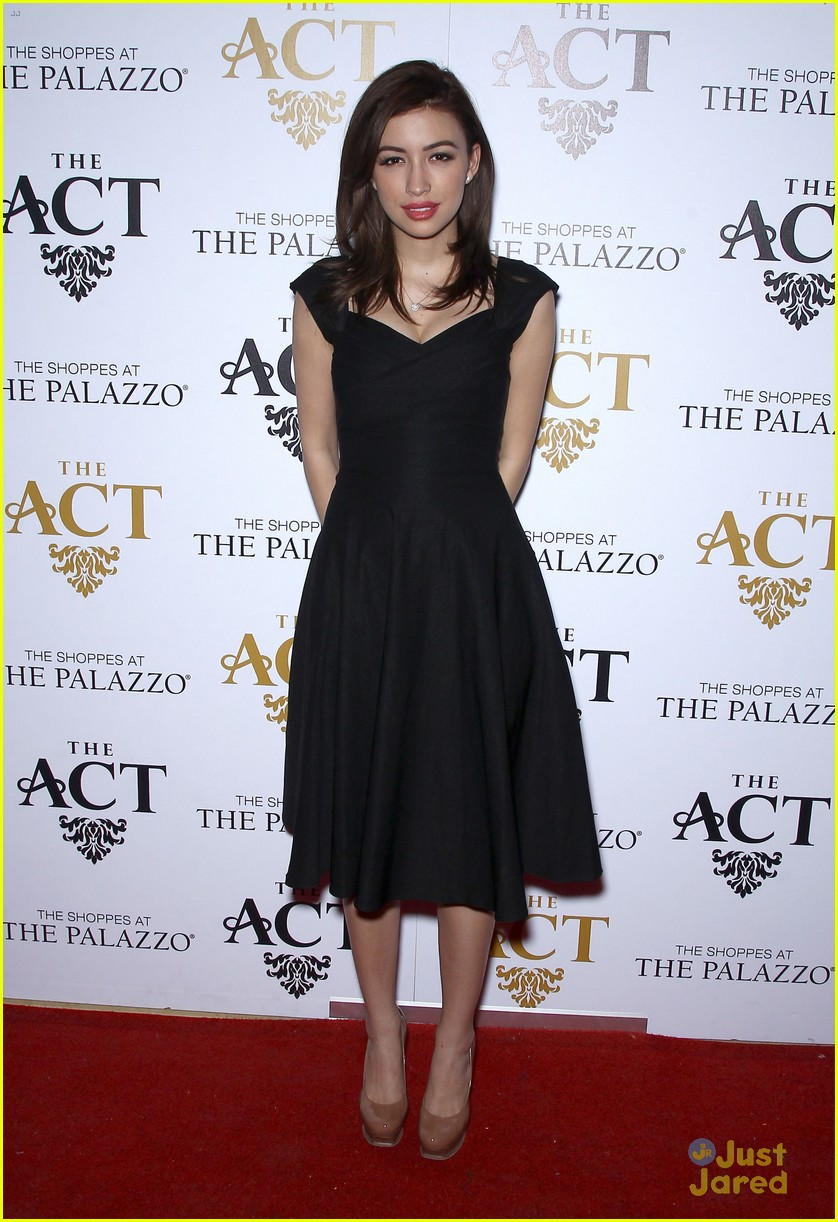 christian serratos vegas holiday party 08