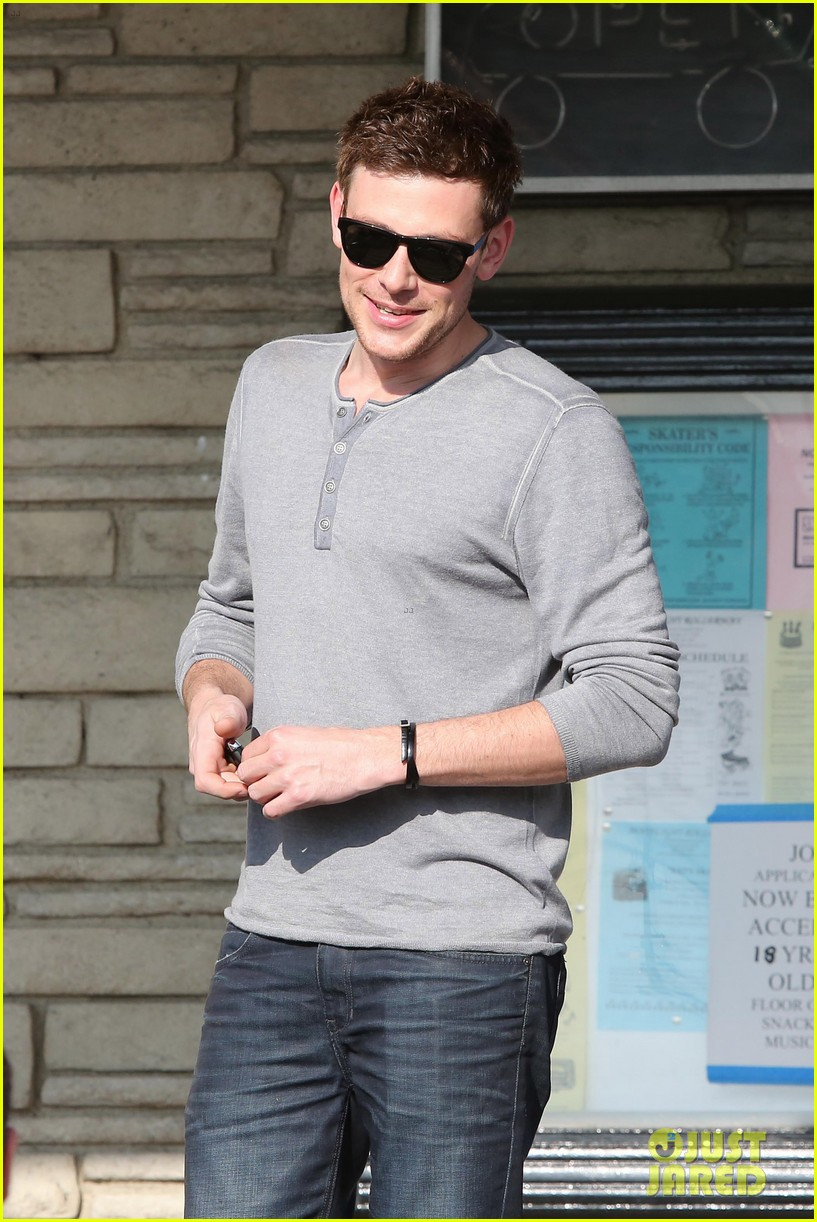 cory monteith skating in burbank 13