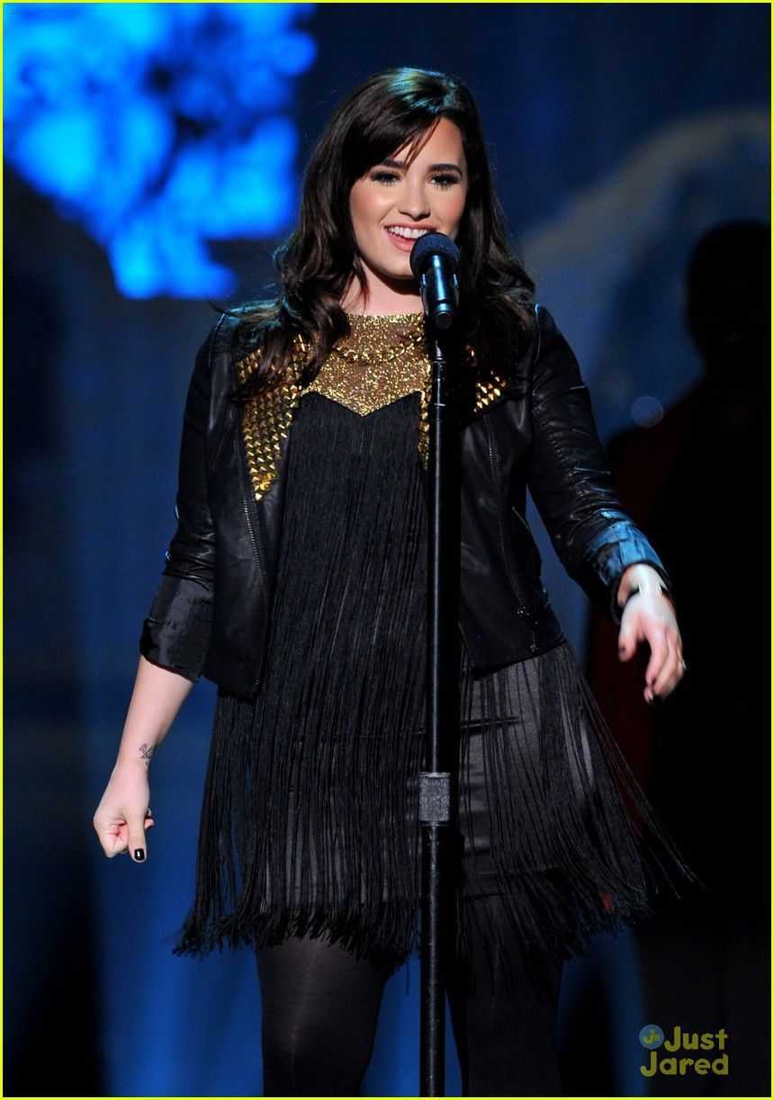 demi lovato christmas washington 01