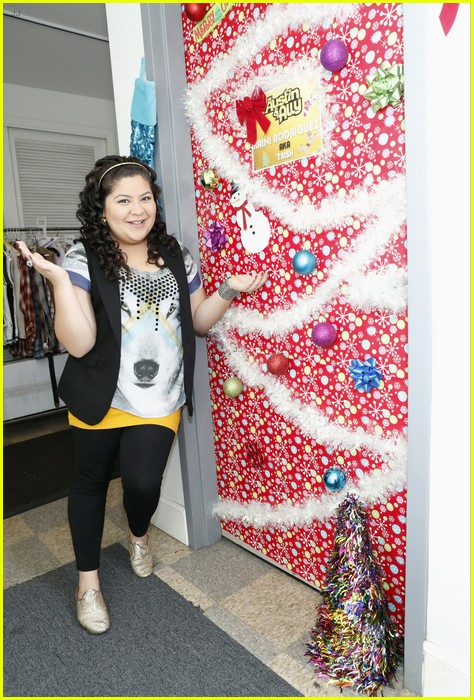 disney channel door decorating 14