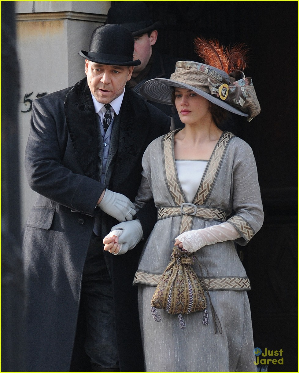 jessica brown findlay winters tale filming 05