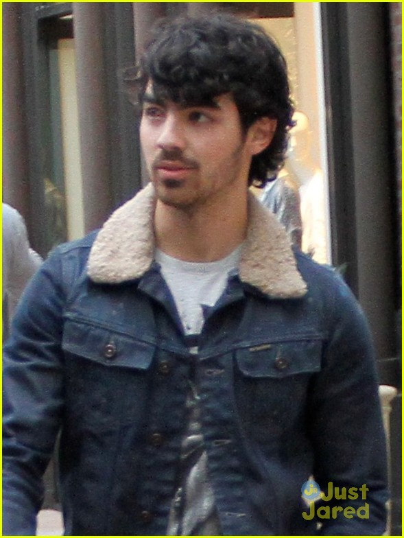 joe jonas jonas brothers tour dates 01