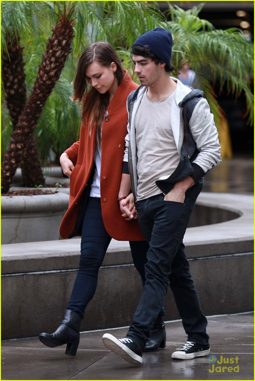 joe jonas blanda brothers lunch 12