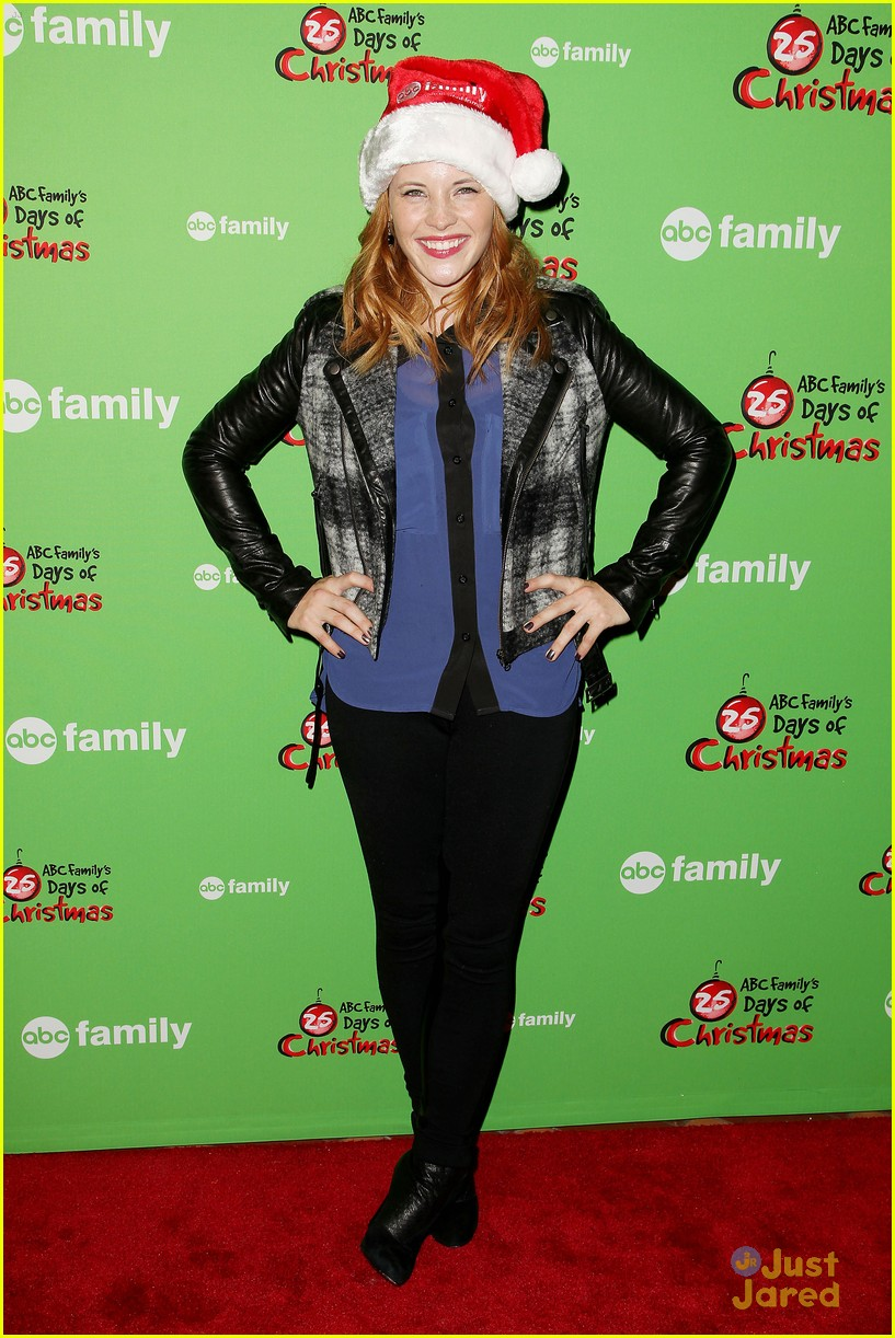 katie leclerc vanessa marano winter wonderland 07