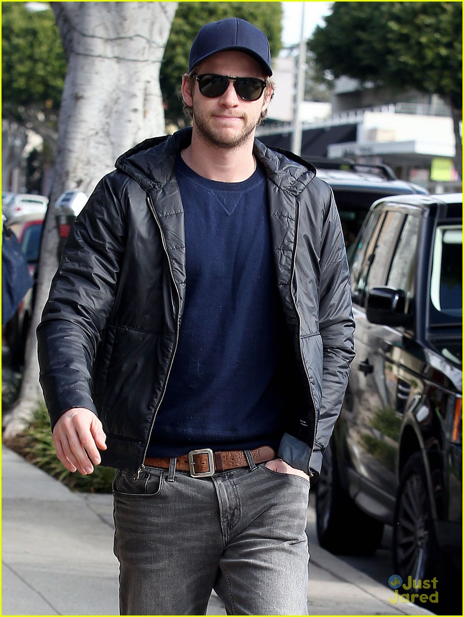 liam hemsworth kreation kafe 03