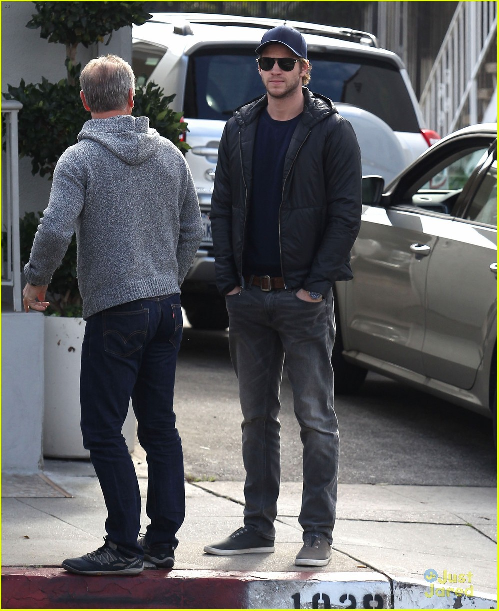 liam hemsworth kreation kafe 07