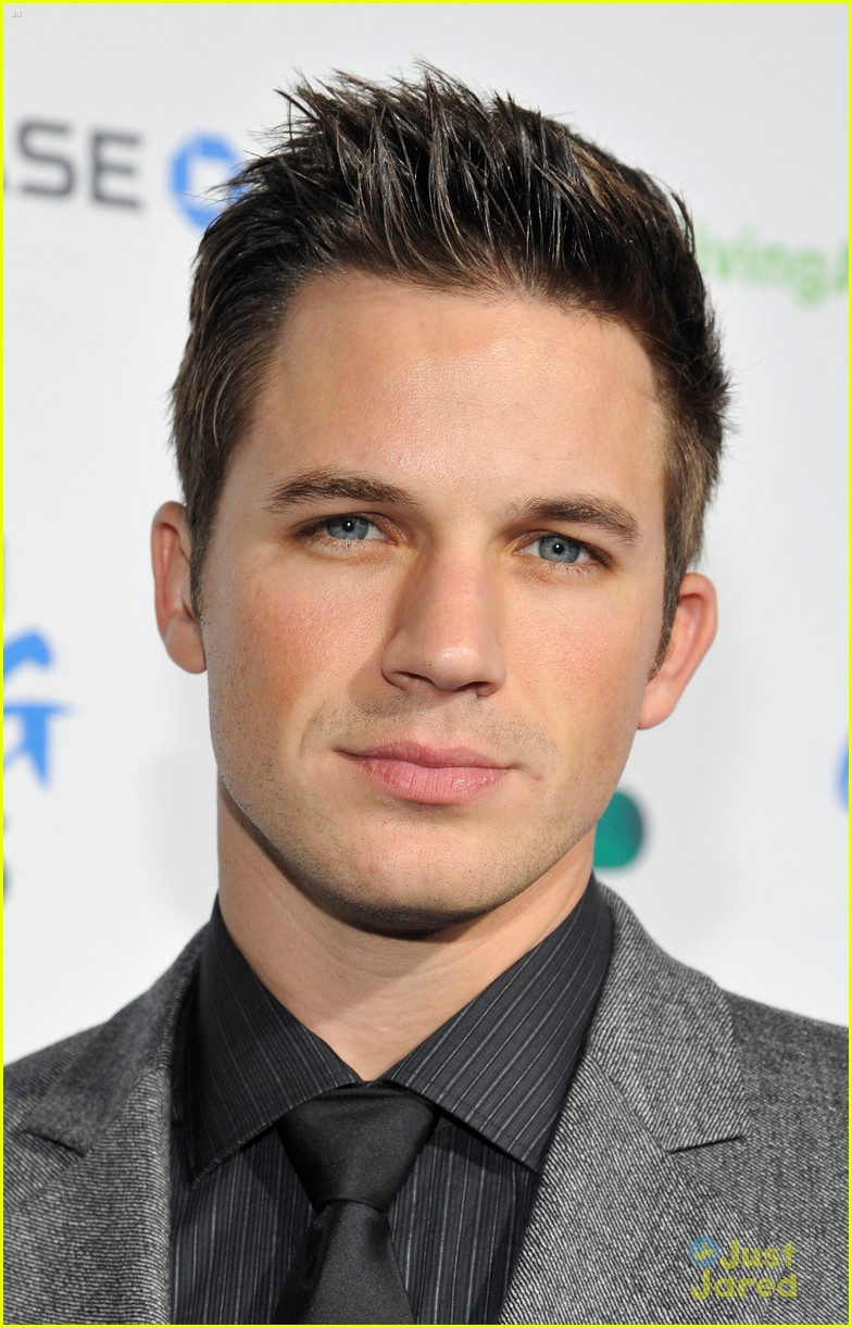 matt lanter giving awards 04