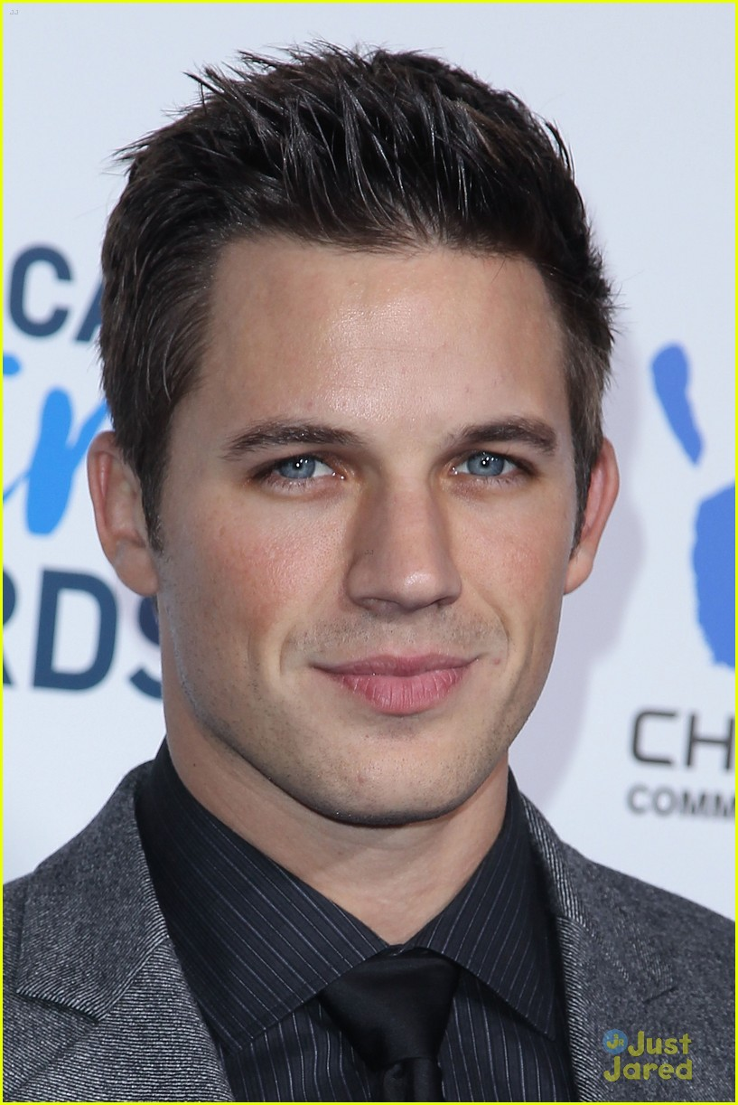 matt lanter giving awards 06
