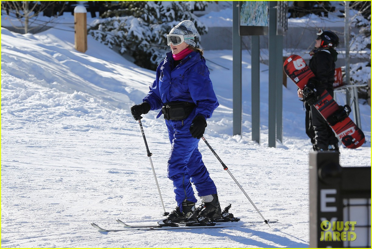 jesse mccartney hits the slopes 10