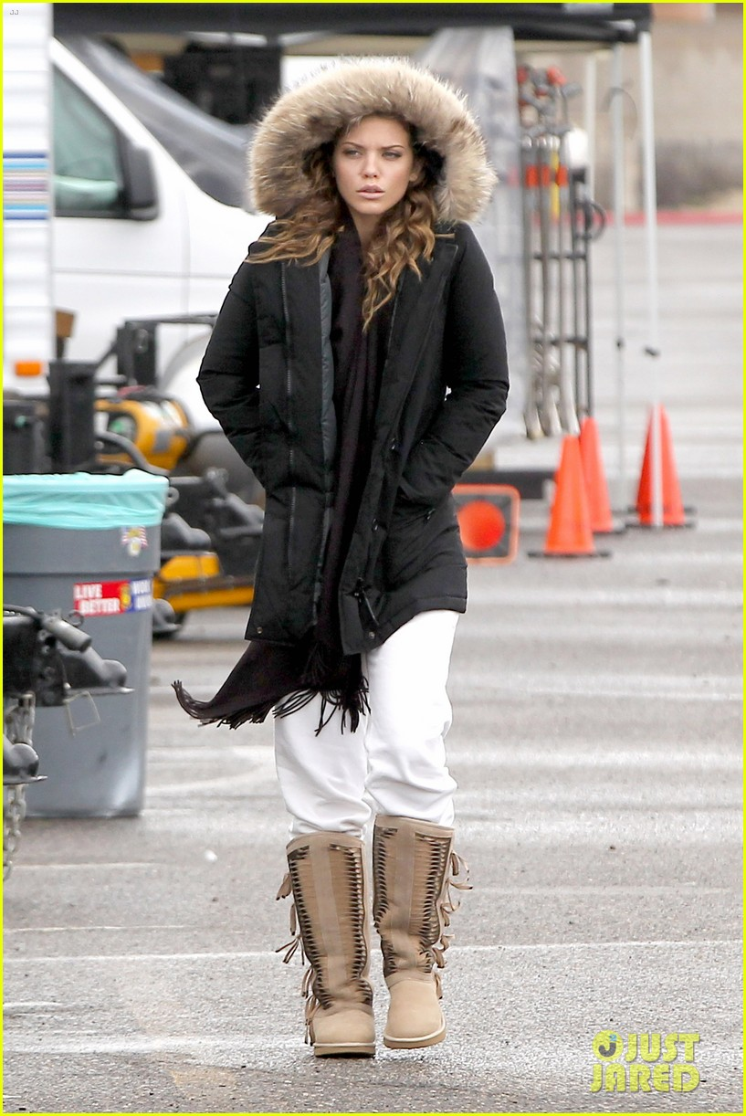 annalynne mccord rainy 90210 set 01