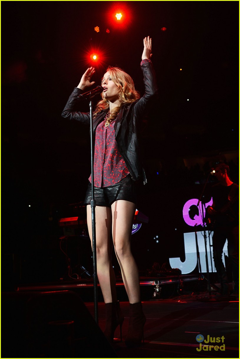 bridgit mendler q102 jingle ball 08