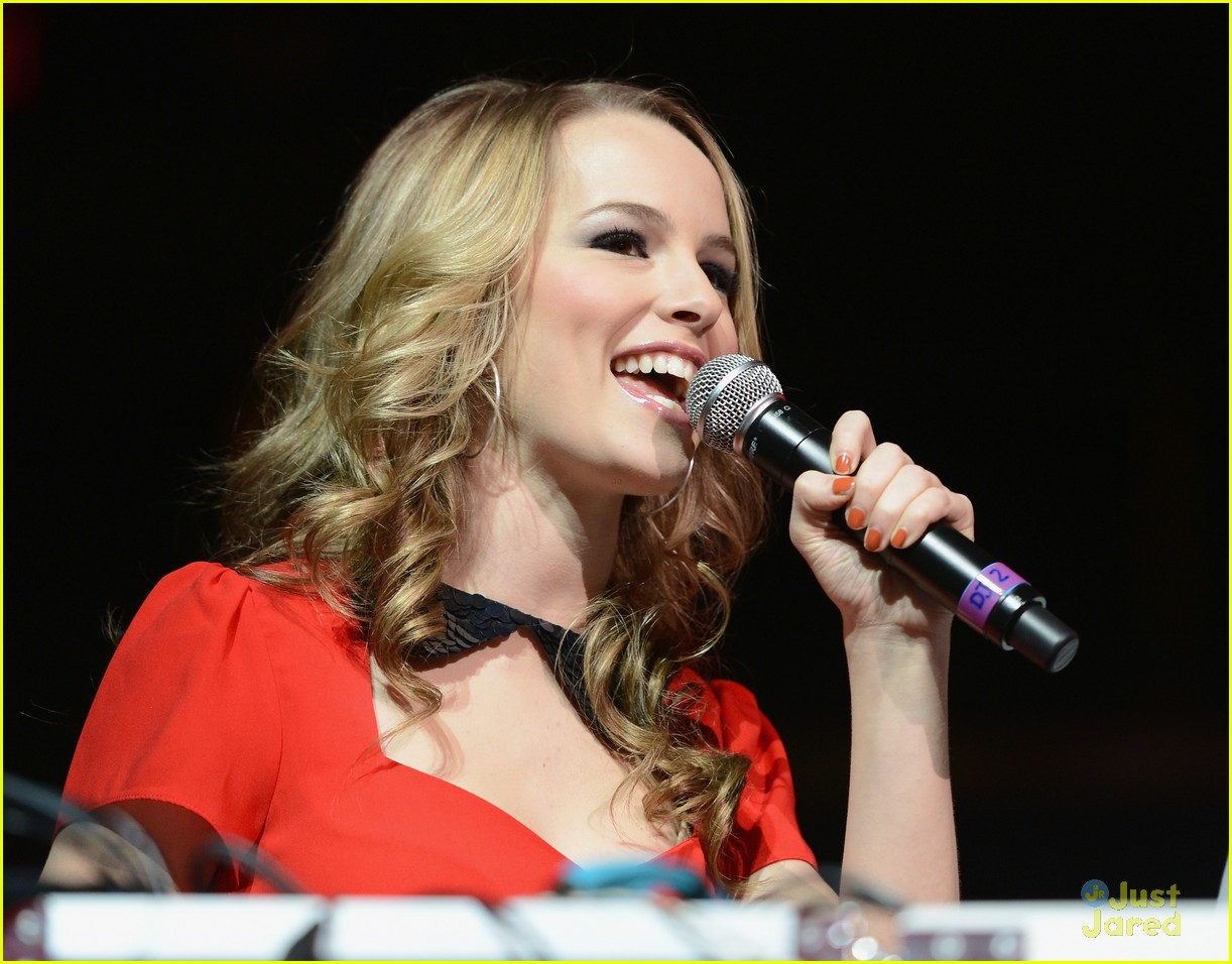 bridgit mendler tampa jingle ball 05