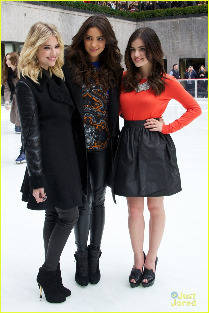 shay mitchell lucy hale ashley benson winter wonderland 12