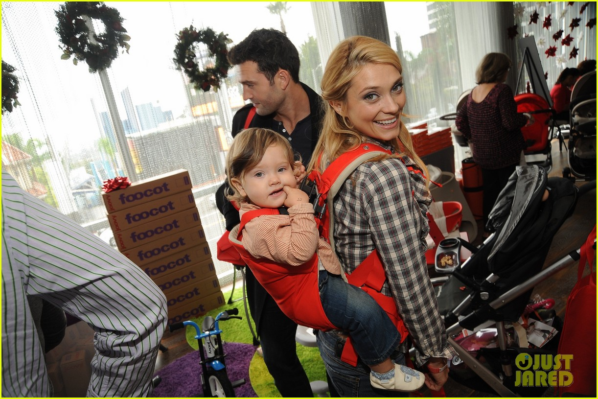 jackson rathbone spencer grammer santa 04