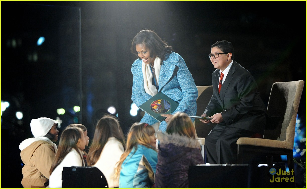 rico rodriguez phillip phillips tree lighting 09
