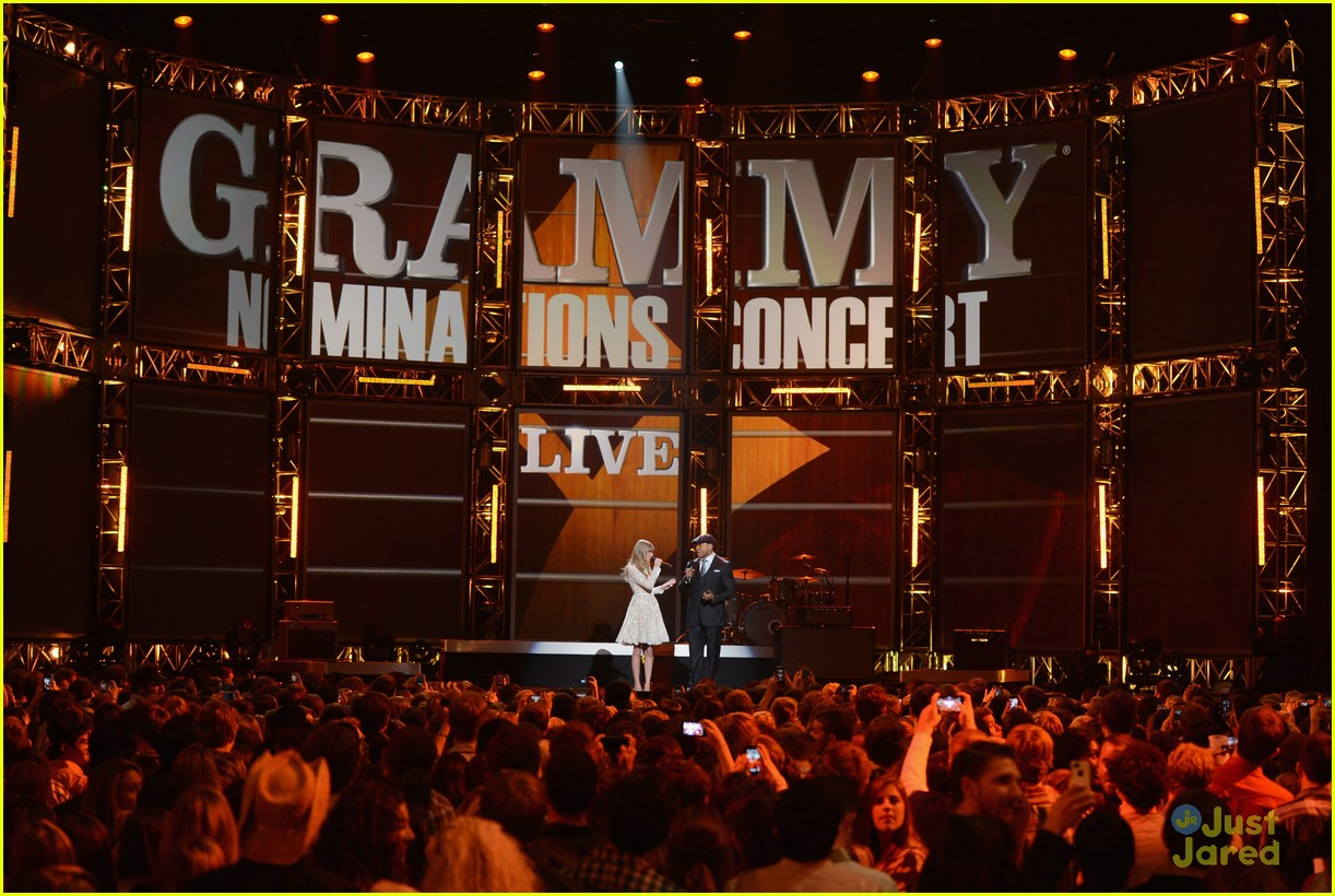 taylor swift grammy noms concert 03
