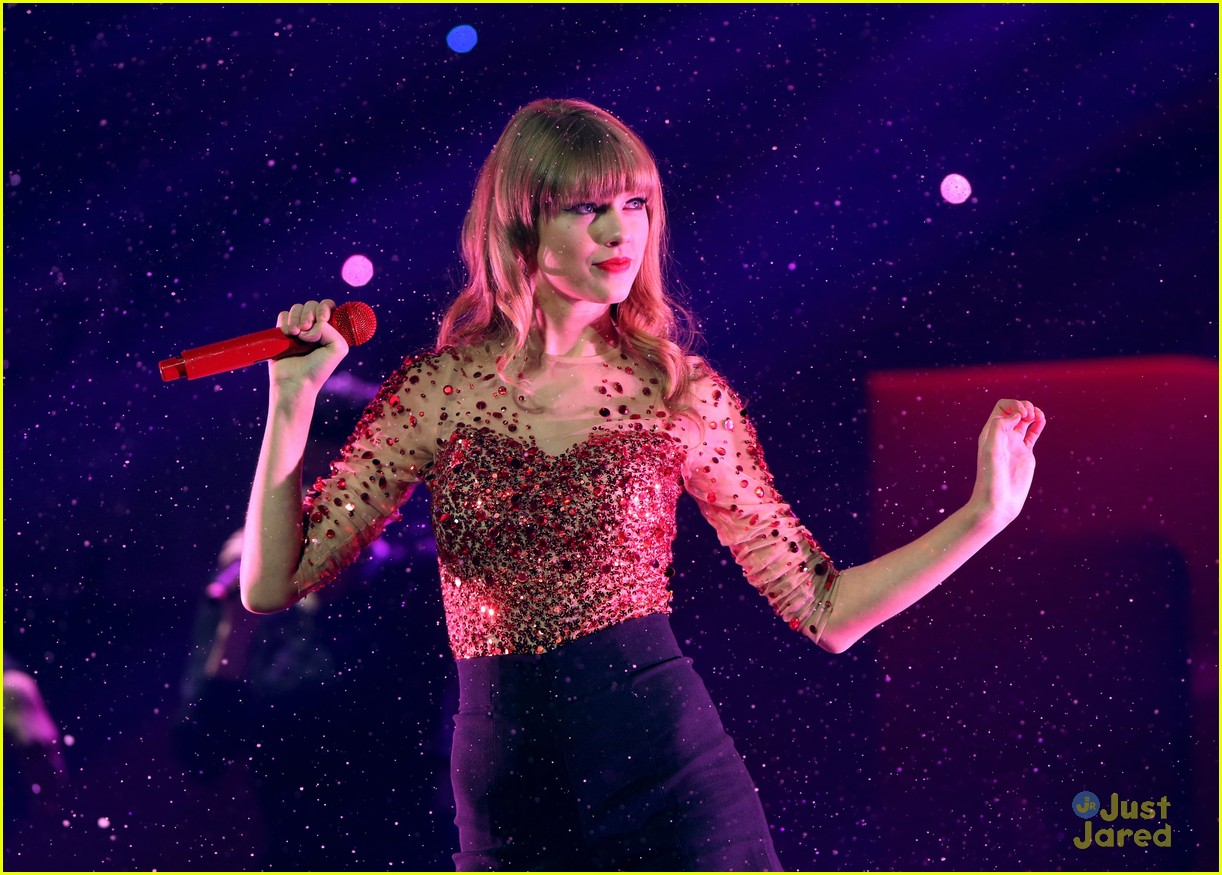 taylor swift jingle ball 07