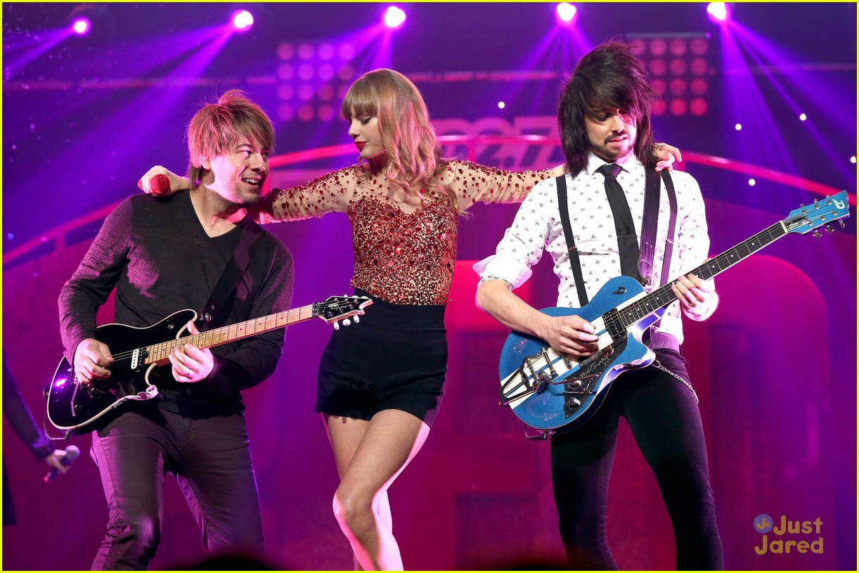 taylor swift jingle ball 09