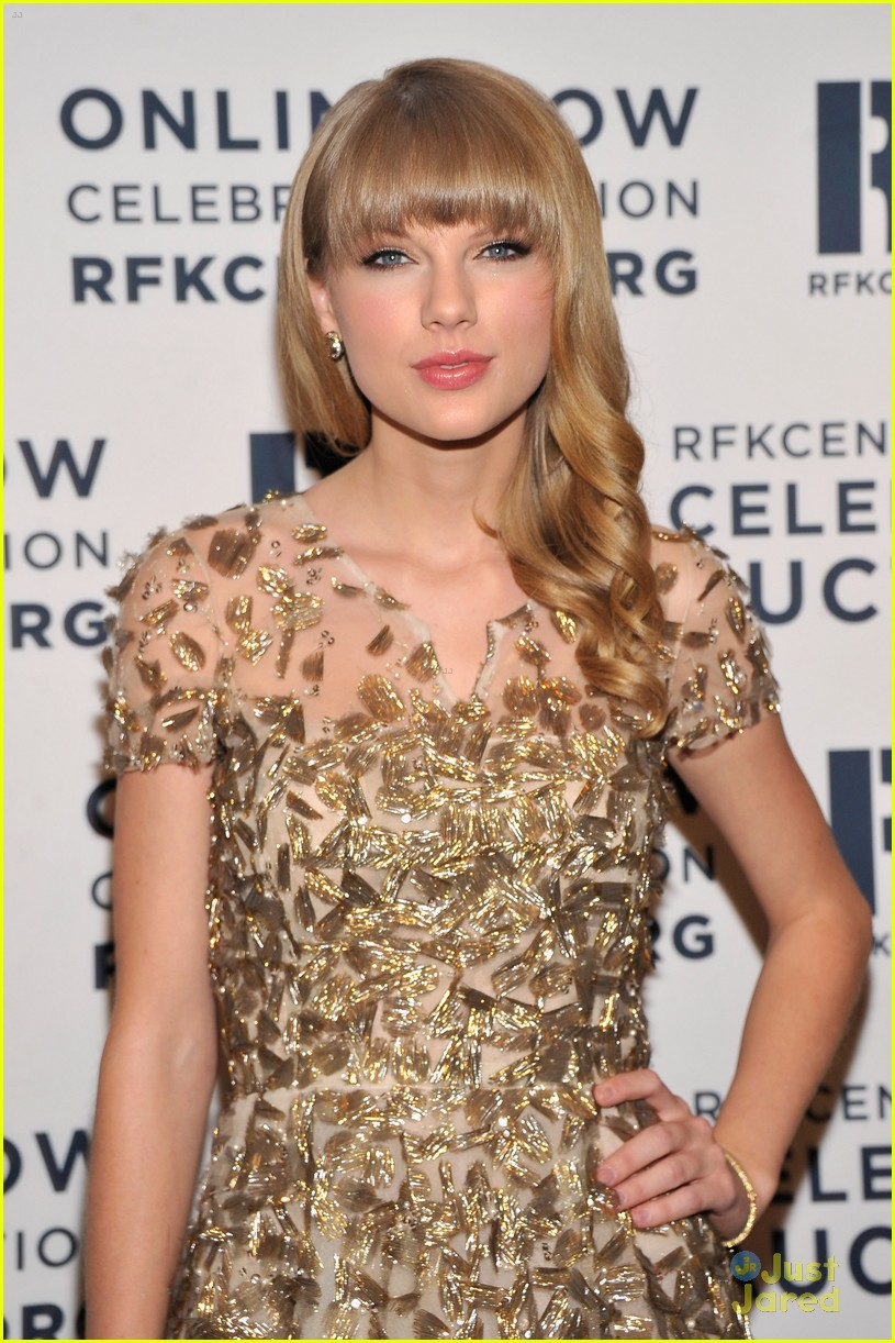 taylor swift ripple hope awards 08