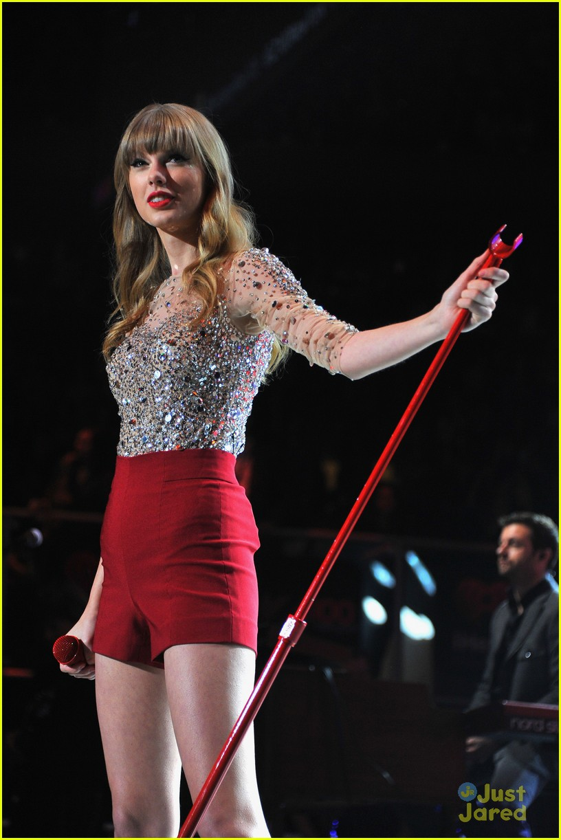 taylor swift z100 jingle ball 30
