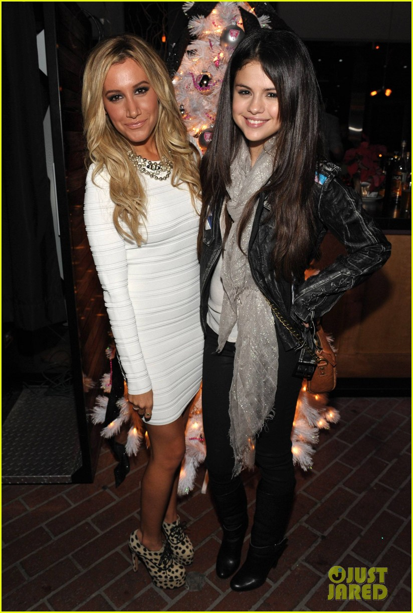 ashley tisdale blondie girl holiday party 25