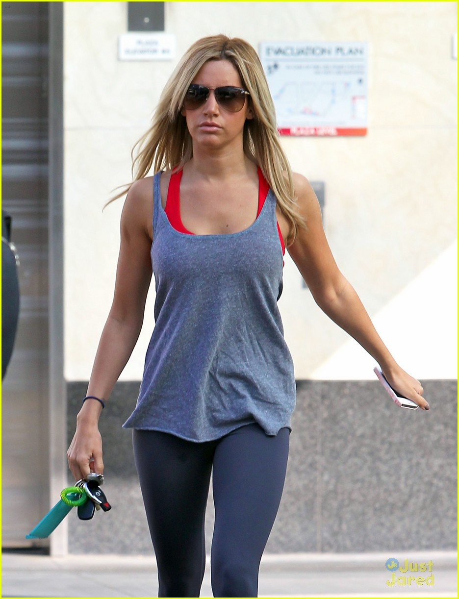 ashley tisdale equinox stop 08