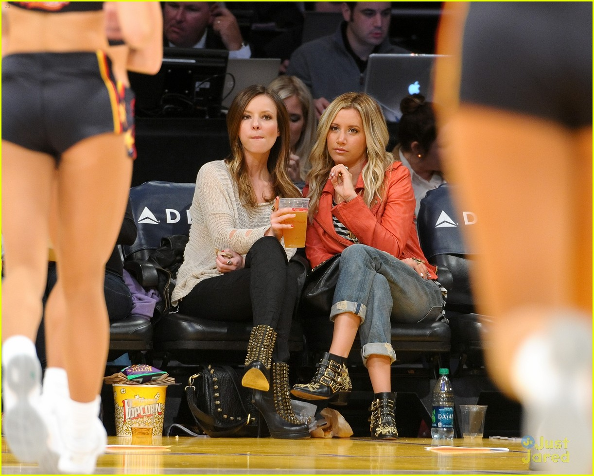 ashley tisdale lakers game 03
